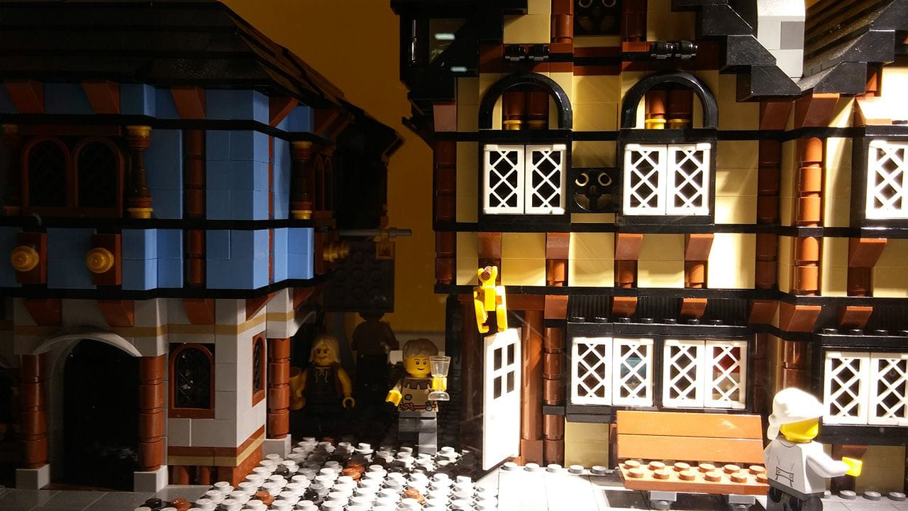 A medieval tavern recreated using Lego.