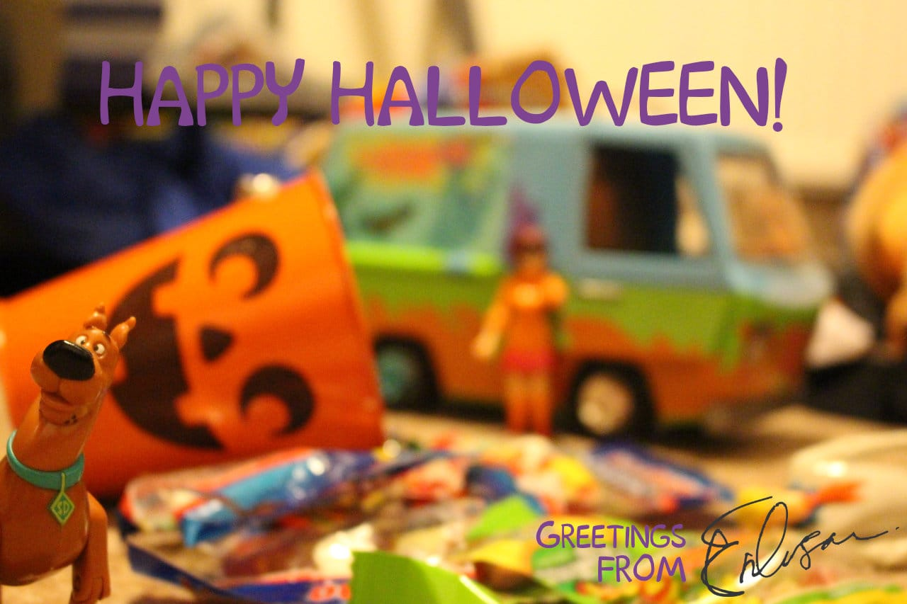 Carlos Eriksson Halloween greeting 2017 featuring Scooby-Doo and a pile of candy bags.